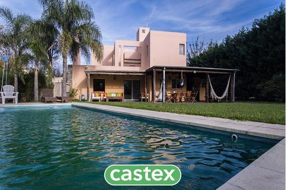 Excelente Casa En Venta En Santa Catalina, Villanueva