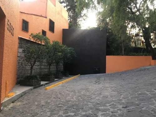 Casa En Condominio Con Hermoso Jardin Comun Enfrente De La Academia De Policia