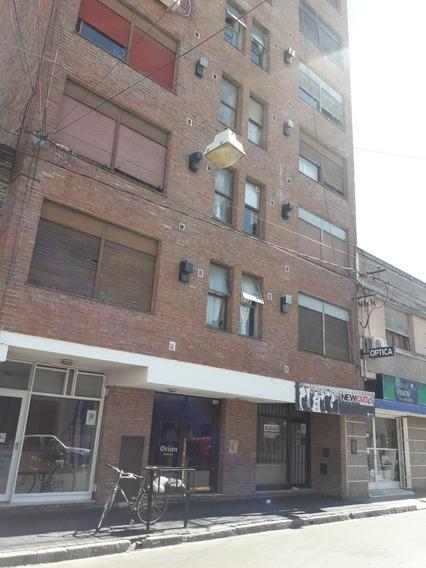 Departamento En Venta De 2 Dormitorios En Macrocentro - Rio Cuarto