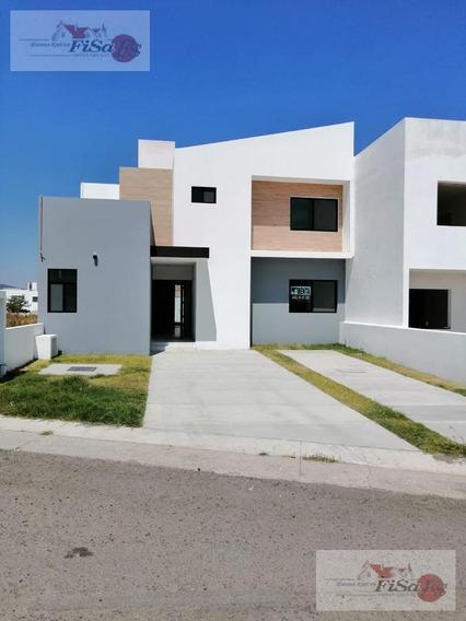 Casa En Venta- Fracc. Grand Juriquilla