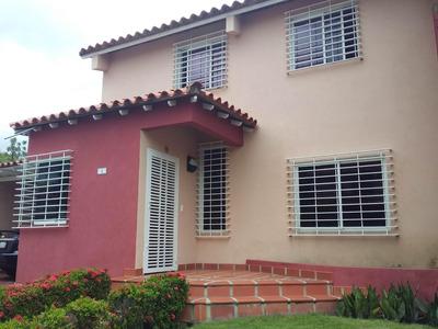 Casa En Venta La Mora 19-11895rhb