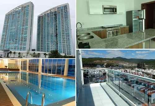Se Renta Hermoso Departamento En Juriquilla Towers, Piso 7, 2 Recámaras, Lujo !!