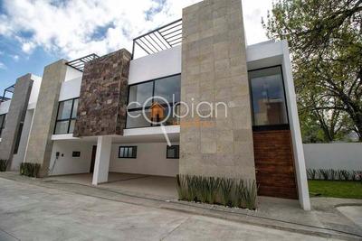 Hermosa Casa En Calle Atlaco, Muy Cerca De Explanada Puebla