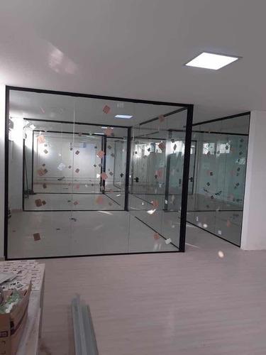 Imagem 1 de 5 de Box De Vidro Pronta Entrega Melhor Preço