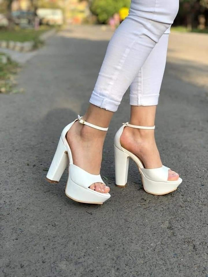 Sandalia Cleo Blanca Talla 36 Y 38