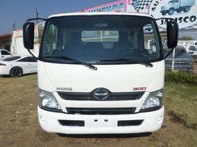 Toyota Hino 816 7 Toneladas Rodado 17.5 Chasis 5 Metros