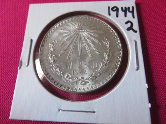 Un Peso Resplandor 1944 Plata Ley .720 Circulada