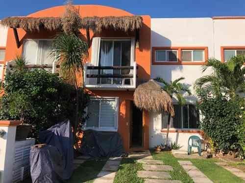 Venta Casa En Residencial Detrás Plaza Outlet Cancun Smz 39