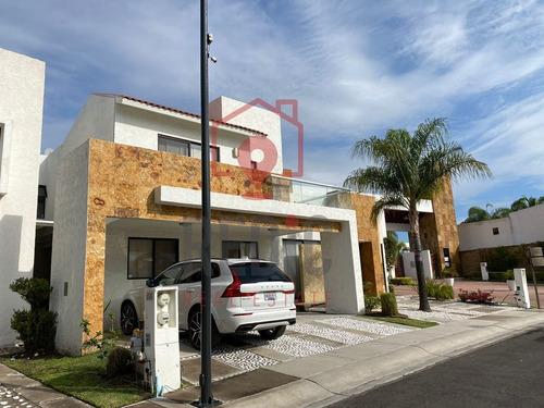 Imagen 1 de 18 de Renta Casa Amueblada De 3 Hab.+ Sala De T.v. En Juriquilla S