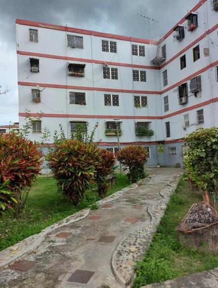 Apartamento Ubicado En La Ud-1 Caricuao