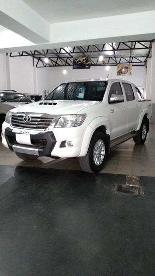 Toyota Hilux Srv/ Cuero- 3.0- Año 2013 Segundo Dueño.