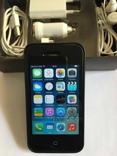 iPhone 4 Com Carregador Normal, Veicular E Fones De Ouvido