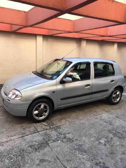 Renault Clio 1.0 16v Tech Run 5p 2002