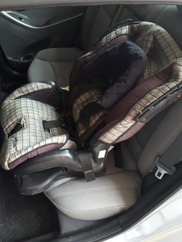 Imagen 1 de 1 de Asiento De Carro Para Bebé