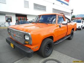 Dodge D-100