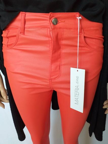 Pantalon Rojo Engomado Talle Medium Engomado