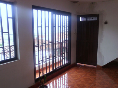 Casa De 3 Niveles 350mt2 $250mill En Castilla
