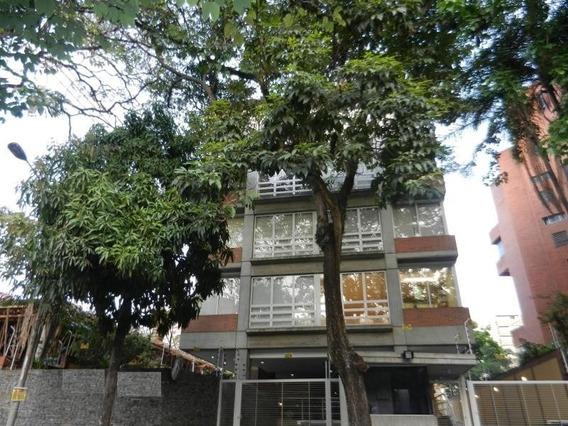 Apartamento En Los Naranjos De Las Mercedes Ha Mls #15-8795