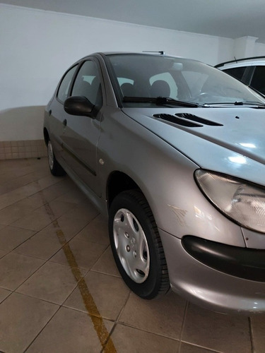 Imagem 1 de 6 de Peugeot 206 2002 1.0 16v Soleil 5p