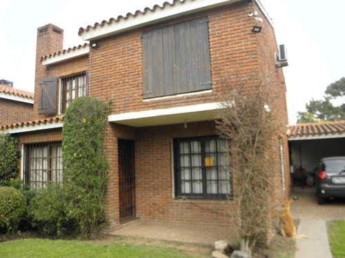 Hermosa Casa En Barra De Carrasco  Urgente Venta