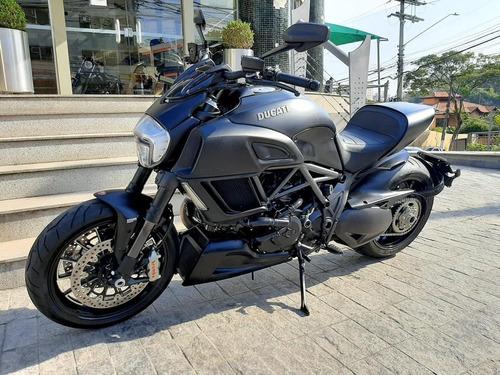 Imagem 1 de 8 de Ducati Diavel Dark