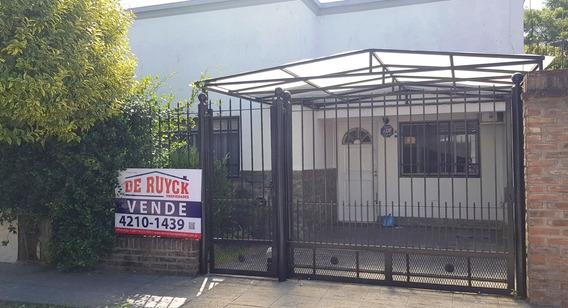 Casa En Venta Quilmes, Excelente Estado, Ph Al Frente