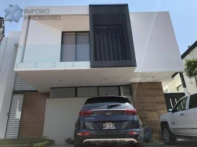 Residencia Venta Fracc. La Rioja $5,600,000 A257 E1