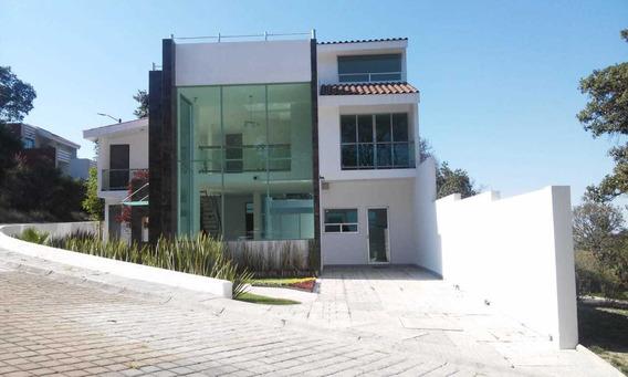 Se Vende Casa En Uno De Los Clúster Más Exclusivos De Harás.