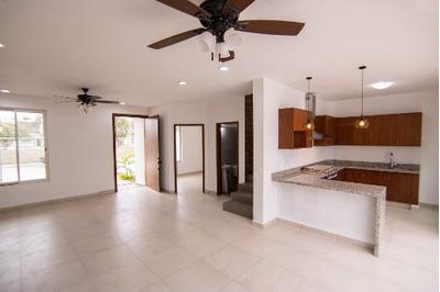 Casa Nueva En Puerto Vallarta En Fraccionamiento Cerrado