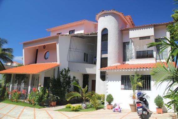 Edificio Con 6 Apartamentos Cerca De La Playa De Sosua