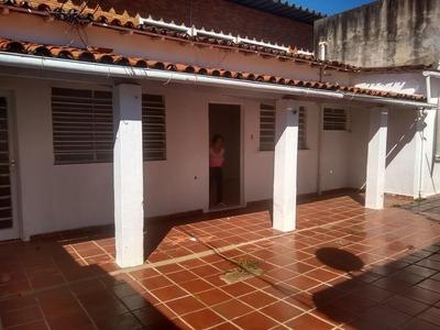 Casa Em Vila Embaré, Valinhos/sp De 60m² 1 Quartos Para Locação R$ 1.000,00/mes - Ca220522