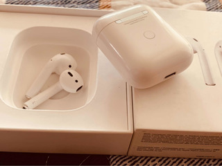 AirPods 2 Con Wireless Charguing Case iPhone X S 8 Plus 7