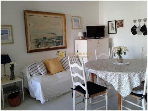 Apartamento En Peninsula Muy Buena Ubicacion - Consulte !!!!- Ref: 3347