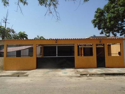 Mz Vende Bella Casa En Parque Valencia