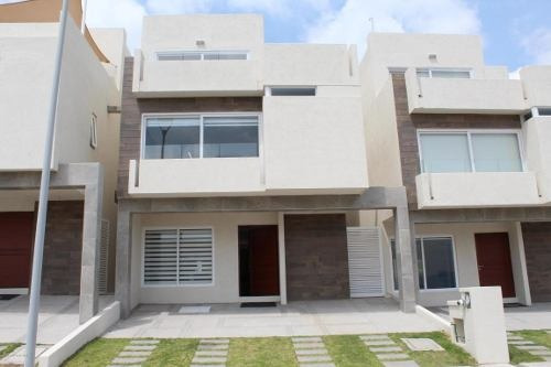 Casa En Venta En Zibata, El Marques, Rah-mx-18-418