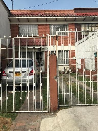 Casas En Arriendo Espinos I 469-7618