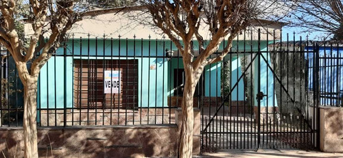 Gusberti Propiedades Vende: Chalet En La Localidad B. Massé
