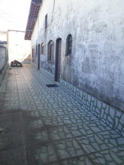 Casa 02 Dormitórios, 300 Metros Da Pista (1412)