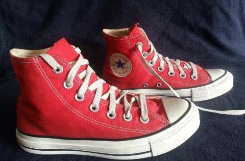 zapatos converse color rojo