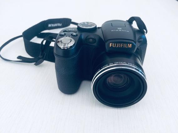 Câmera Digital Semiprofissional Fujifilm Finepix S2800 Hd
