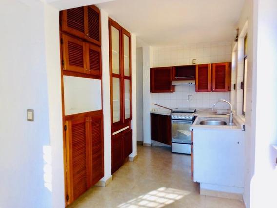 Casa En Venta En Fraccionamiento Arbolada, Brenamiel, San Jacinto Amilpas.