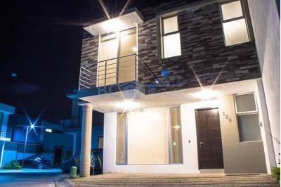 Casa En Renta En Zona Real Zapopan En Coto