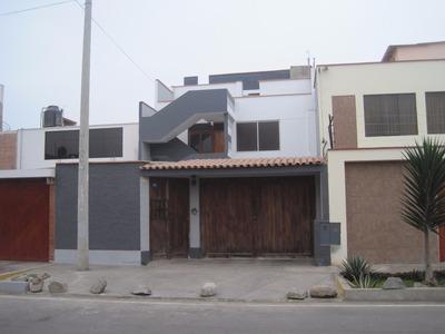 Casa De 13 Ambientes Y 5 Baños