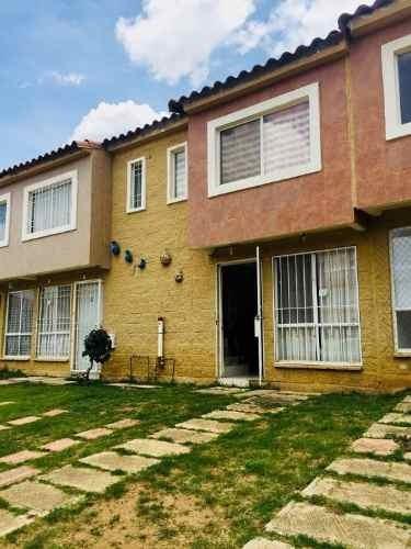 Venta De Casa En Fraccionamiento En Villa De Zaachila, Oaxaca, Oax.