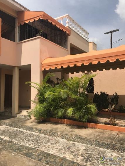Hermosa Casa En Venta En Exclusiva Zona Arroyo Hondo