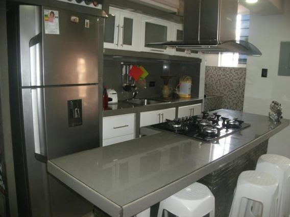Apartamento En Venta Cabudare 20-7441 Jcg