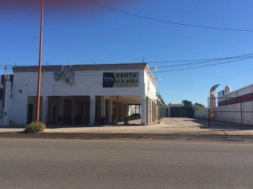 Se Vende Local Industrial Comercial En Haciendas Del Sol.