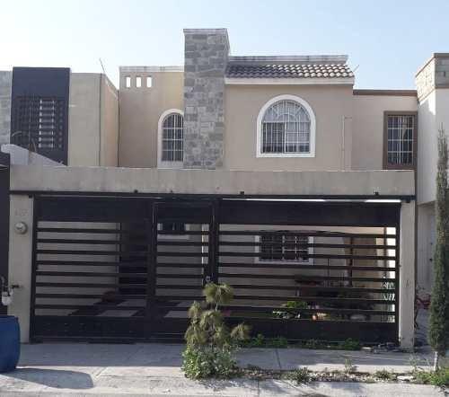 Casa En Venta En Apodaca, Fracc Privado
