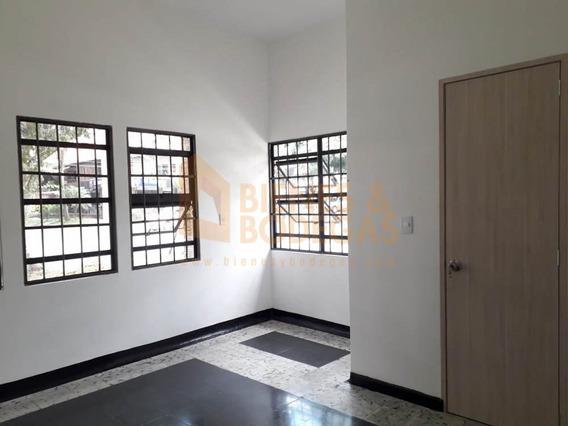 Casas En Arriendo La Castellana 643-3170