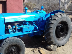 Tractor Fordson Supermajor